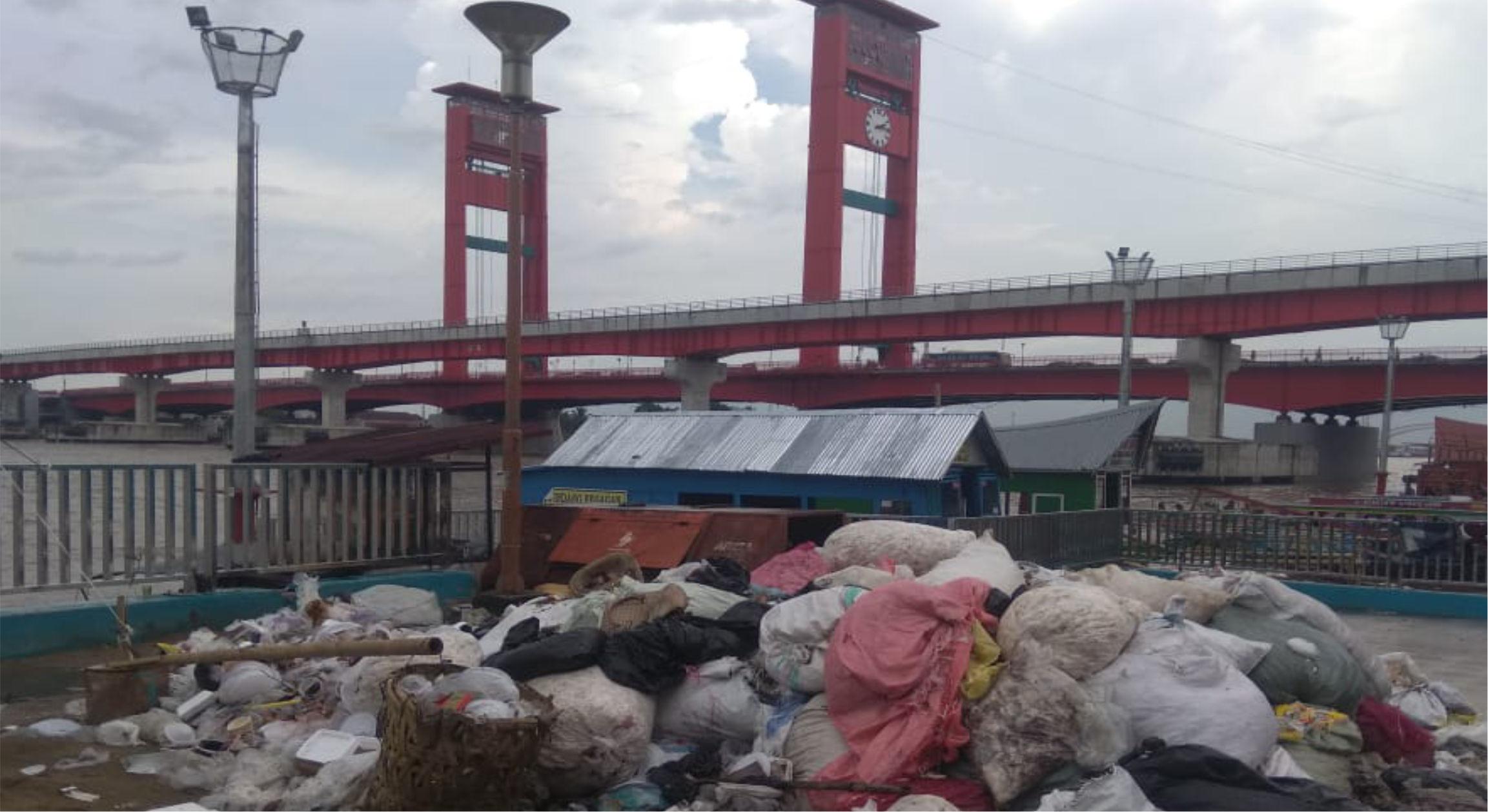 Sampah di Pasar 16 Ilir Palembang