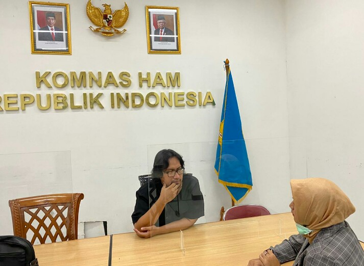 Norma Yuanita Sebrina, SE (30) melaporkan adanya pelanggaran hak asasi terhadap dirinya yang menjadi korban stigma keturunan Partai Komunis Indonesia (PKI), dan adanya tekanan psikis yang menimpa dirinya.