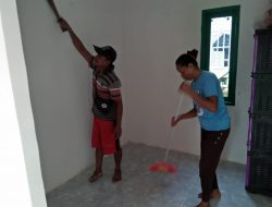 Usai Serah Terima, Kalena Bersihkan Rumah