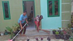 Personel Kodim Berikan Tanaman Hias di Rumah Kalena