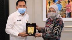 Menteri Ketenagakerjaan Ida Fauziyah, menerima kunjungan Wali Kota Prabumulih, Ridho Yahya, di Kantor Kemenaker, Selasa (13/4/2021).