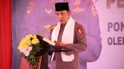 Dalam peresmian itu, Kapolri Jenderal Polisi Listyo Sigit Prabowo dikalungi sorban putih oleh alim ulama. Ia juga diberikan kesempatan untuk menandatangani prasasti sebagai simbol peresmian gedung Pesantren tersebut.
