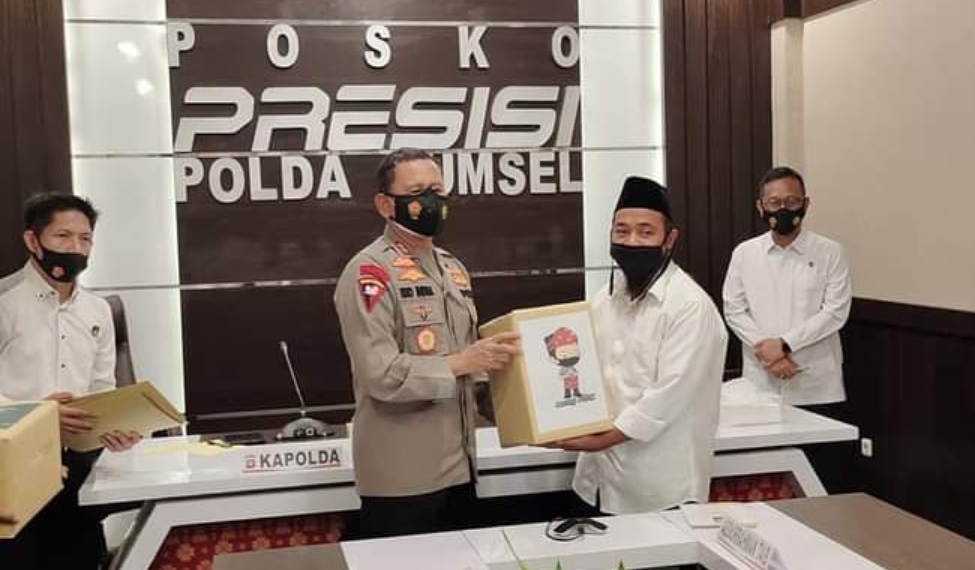 6 orang mantan narapidana teroris (Napiter) di wilayah kota Palembang bersilaturahmi dengan Kapolda Sumsel Irjen Pol Prof DR Eko Indra Heri S MM bersama jajarannya, Rabu (14/4/2021).