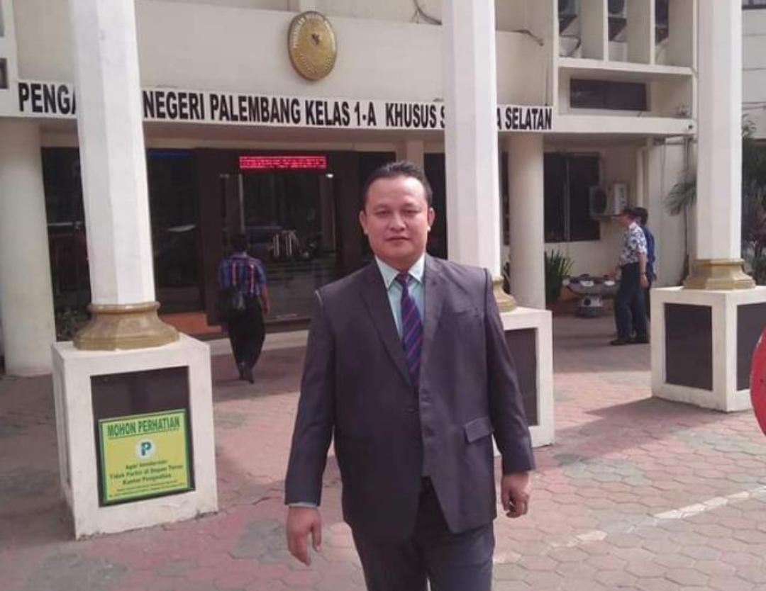 Praktisi Hukum Anwar Sadad SH