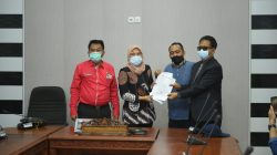 Ketua Korsa Lintas Advokad (KLA) Sumsel Febuar Rahman diterima Wakil Ketua DPRD Sumsel Kartika Sandra Desi