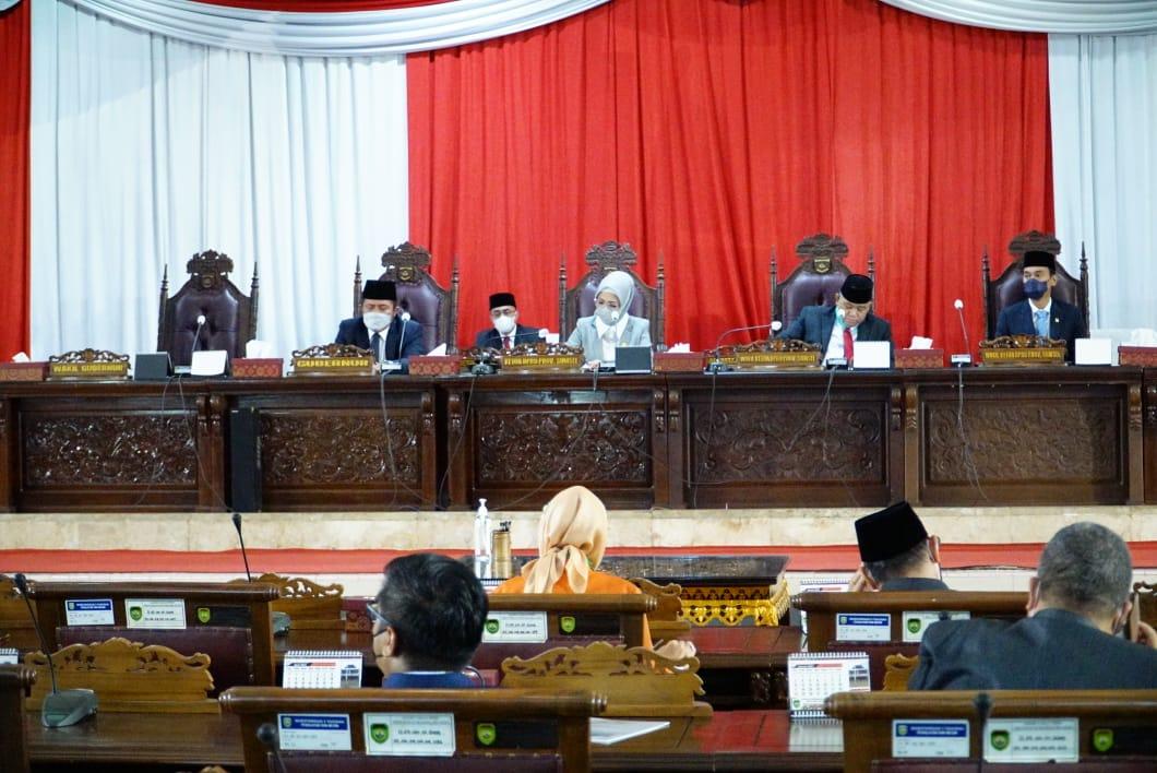 Rapat Paripurna DPRD Provinsi Sumsel, Senin (3/5) dipimpin langsung oleh Ketua DPRD Provinsi Sumsel Hj RA Anita Noeringhati SH MH.