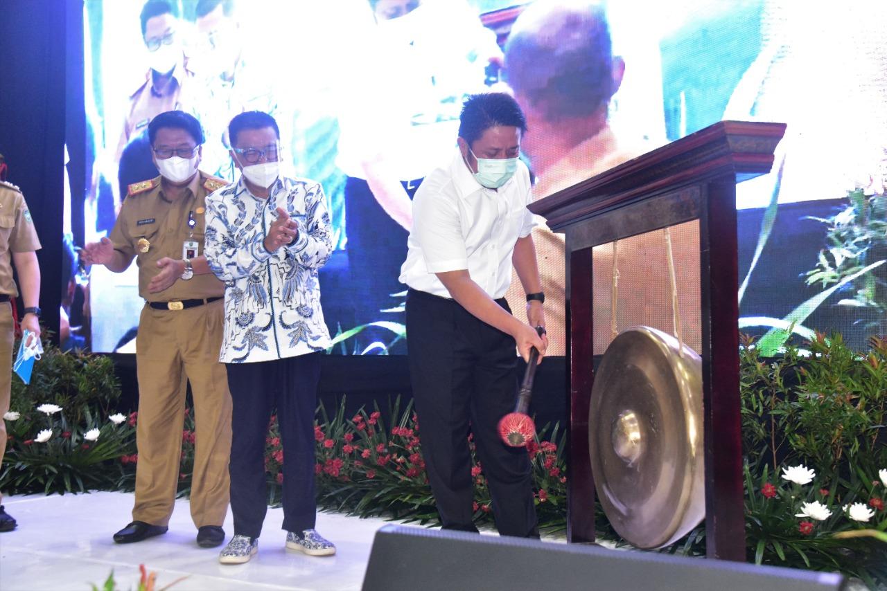 Gubernur Sumsel H Herman Deru membuka Workshop Personal Branding Dunia Pendidikan