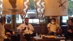 Diskusi Santai bertema Fenomena Media Sosial di era 4.0, diisi oleh narasumber yang berkompeten yakni Direktur Intelkam Polda Sumsel, Kombes Pol Ratno Kuncoro, Anggota DPRD Palembang Fraksi Gerindra, Adzanu Getar Nusantara, Kadis Kominfo Kota Palembang, Edison, dan Penggiat Medsos Riza Fahlevi yang dipandu Charma Aprianto, Rabu (16/6) sore.
