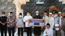 Gubernur Herman Deru melakukan safari Jumat di masjid Al Muhajirin Komplek Bumi Sriwijaya Indah (BSI) Jalan Soekarno Hatta Palembang, Jum'at (18/6).