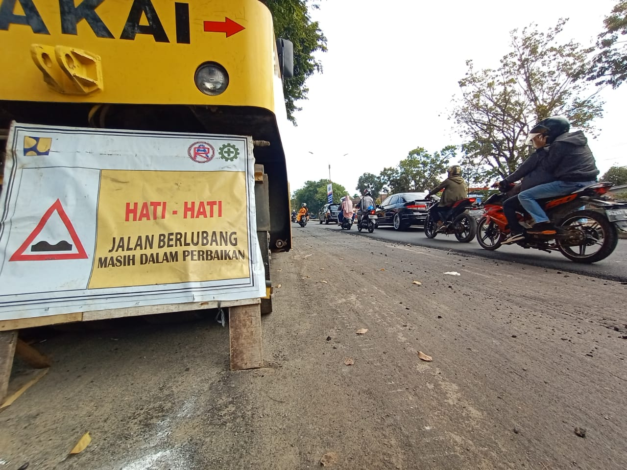 Ruas jalan rusak di Palembang