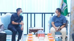 Ketua Event Pelaksana Kontes Aquascape Nasional terbesar dan pertama di Sumsel Elyadi melakukan audensi dengan Sekda Kota Palembang Ratu Dewa di Ruang Media Centre atau Eks. Dinas PMPTS Lantai 1 Setda Palembang, Senin, 7 Juni 2021.