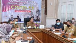 Sekda Kota Palembang, Ratu Dewa memimpin rapat Percepatan Penyederhanaan Birokrasi, Senin (21/6)