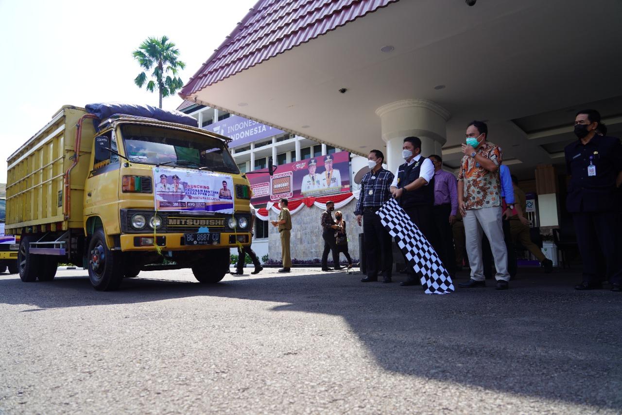 Herman Deru Salurkan Bantuan Beras PPKM untuk 430.808 KPM-PKH