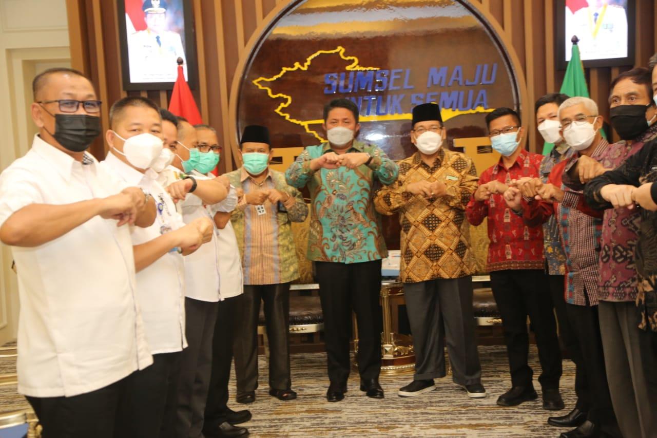 Gubernur Sumsel H Herman Deru menerima audiensi Tim Formatur FKUB Sumsel di ruang tamu Gubernur Sumsel, Rabu (28/7/21).
