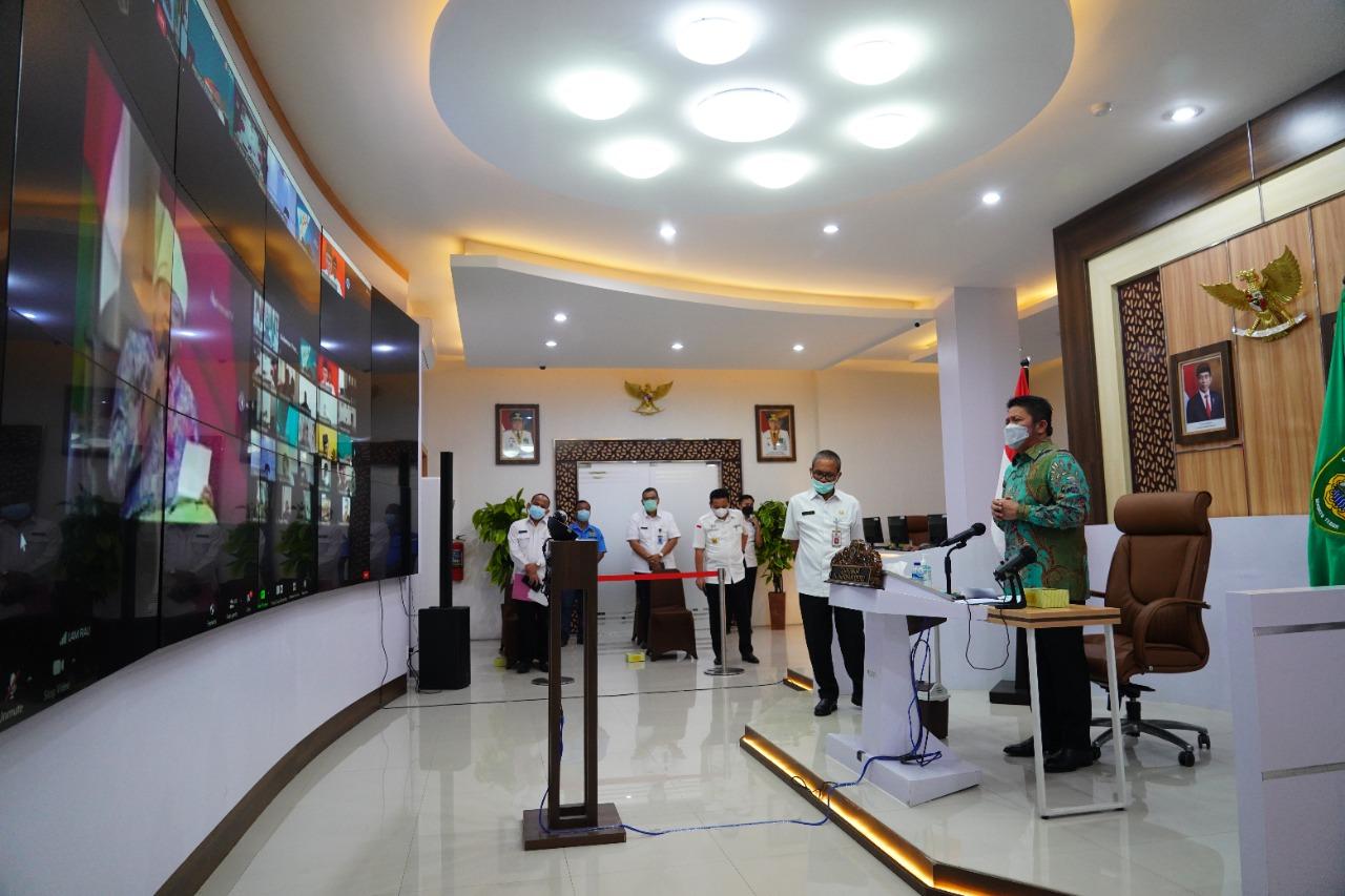 Gubernur Sumsel H Herman Deru Herman Deru menjadi narasumber pada silaturahmi Saudagar Melayu yang diselenggarakan Lembaga Adat Melayu Riau dan bekerjasama dengan Provinsi Riau yang digelar secara virtual di Command Center Kantor Gubernur Sumsel, Rabu (28/7).