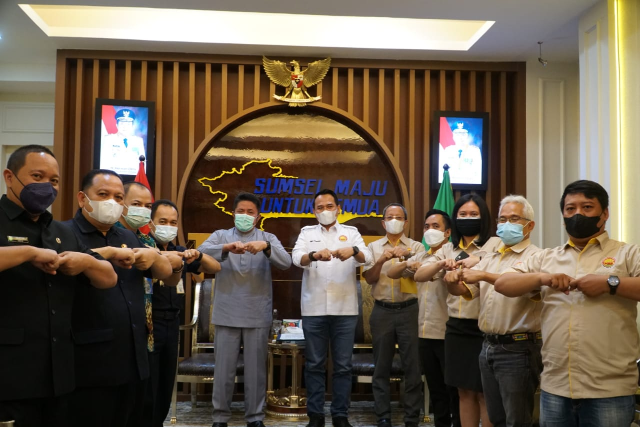 Gubernur Sumsel H Herman Deru mendukung penuh rencana Persatuan Olahraga Bilyar Seluruh Indonesia (POBSI) Sumsel untuk menggelar kejuaraan Bilyar memperebutkan Piala Gubernur tingkat nasional dalam waktu dekat ini.