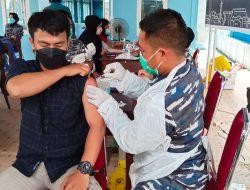 Vaksinasi Lanal Palembang Diserbu Masyarakat Maritim