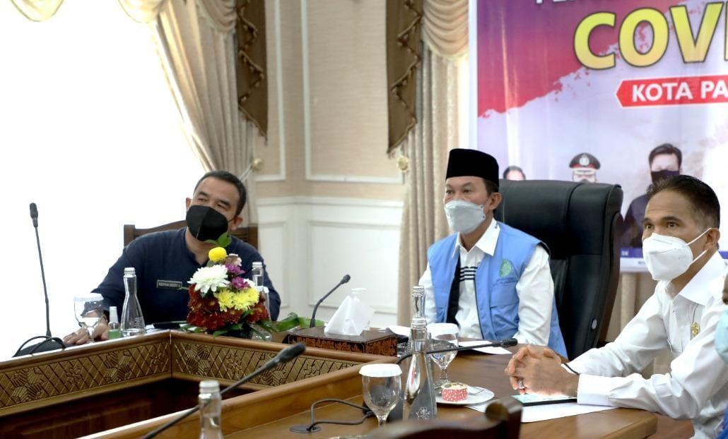 Wali Kota Palembang, H Harnojoyo berpartisipasi pada Webinar Whistleblowing System [WBS] terkait Tindak Pidana Korupsi Terintegrasi Pembangunan Budaya Organisasi dan Peningkatan Pemahaman dengan Komisi Pemberantasan Korupsi (KPK-RI) melalui Video Conference (Vidcon) via Aplikasi Zoom.