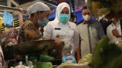 Wakil Walikota Palembang Fitrianti Agustinda bersama Badan Pengawas Obat dan Makanan [BPOM] kembali lakukan aksi pengamanan makanan dari zat berbahaya.
