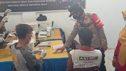 Vaksinasi COVID-19 tersebut digelar di Sekolah SMP SMA Dharma Bhakti Jalan Mayor Zen, lorong Yuwari 2 Sei Selincah, Kecamatan Kalidoni Palembang, dan dipantau langsung oleh Kapolsek Kalidoni AKP Evial Kalza SE MH, Sabtu [25/9/2021].