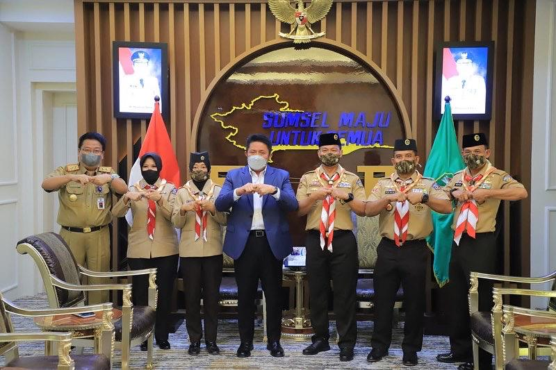 Gubernur Sumatera Selatan H Herman Deru yang juga sebagai Ketua Majelis Pembimbing Kwarda Gerakan Pramuka [Kamabida] Sumsel, mendukung kegiatan Pramuka Pelayaran Lingkar Nusantara [Pramuka Pelantara].