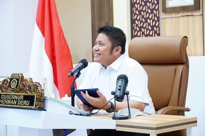 Pasca terpilih menjadi Pilot Project Pertama di Indonesia untuk pelaksanaan Whistleblowing System (WBS) Pidana Terintegrasi oleh KPK RI, Gubernur Sumsel H Herman Deru mulai mensosialisasi penerapan WBS tersebut ke seluruh Kabupaten/kota di Sumsel, Kamis (16/9) pagi secara virtual dari Command Center.