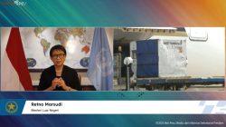 Menlu RI Retno LP Marsudi dalam keterangan pers menyambut kedatangan vaksin tahap ke-78, secara virtual, Jumat [24/09/2021]. [Sumber: Tangkapan Layar YouTube Sekretariat Presiden]