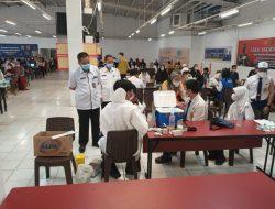 Polda Sumsel Gelar Vaksinasi Bersama SMPN 45 Palembang