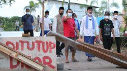 Walikota Palembang H Harnojoyo meninjau langsung pembangunan jalan di Jalan Ponorogo, Kelurahan Suka Jaya, Kecamatan Sukarami Palembang, Senin [18/10].