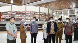 Walikota Palembang H Harnojoyo menerima visitasi anggota Ombudsman Republik Indonesia Dr Johanes Widijantoro, Senin [11/10].