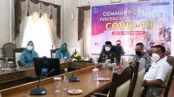 Walikota Palembang H Harnojoyo menerima penghargaan Anugerah Parahita Ekapraya [APE] 2021 dari Kementerian PPPA kategori Pratama dengan kriteria Kepedulian Kepala Daerah terhadap Kesetaraan Gender dari Rumah Dinas Walikota melalui Virtual.
