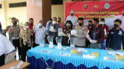 Direktorat Reserse Narkoba Kepolisian Daerah Sumatera Selatan [Ditresnarkoba Polda Sumsel] musnahkan 3,1 Kilogram sabu dengan cara diblender di halaman Ditresnarkoba Polda Sumsel, Kamis (14/10).