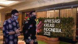 Menparekraf Sandiaga Uno didampingi, Walikota Bogor Bima Arya Sugiarto menghadiri Apresiasi Kreasi Indonesia (AKI) 2021 di Bogor