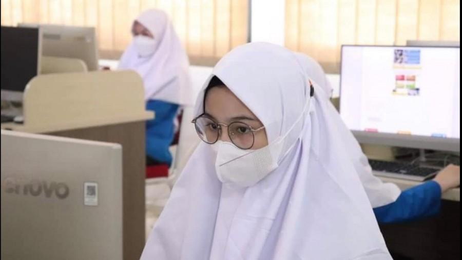 Siswi MAN IC Tanah Laut Kalimantan Selatan saat mengikuti KESN 2021